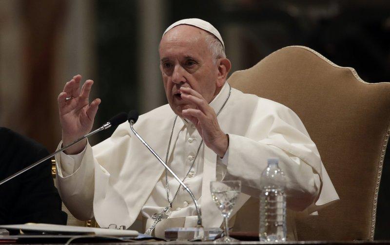 Papa destituye a jerarquía de diócesis ecuatoriana