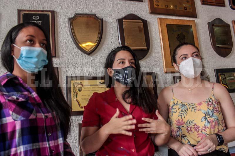 Estudiantes denuncian inusitado retraso en recibir sus títulos de Psicología de la UCLA