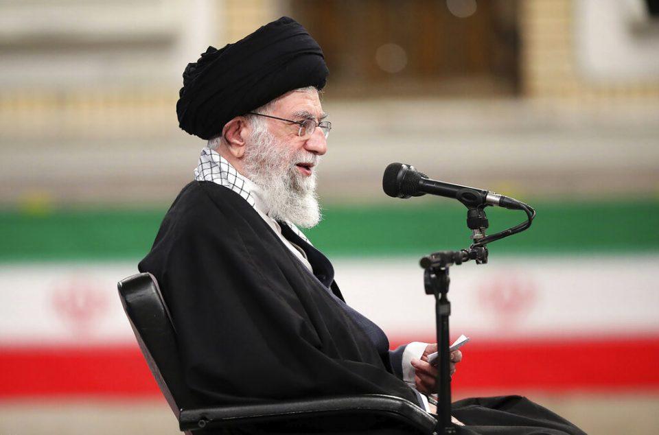 El-ayatola-Ali-Jamenei-Iran-FOTO-AP