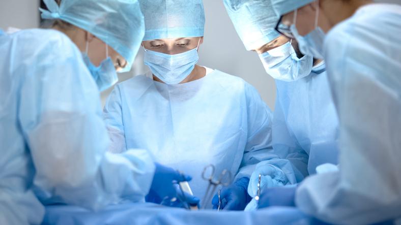 EE.UU.   Primer trasplante combinado de cara y manos fue culminado con éxito en NY