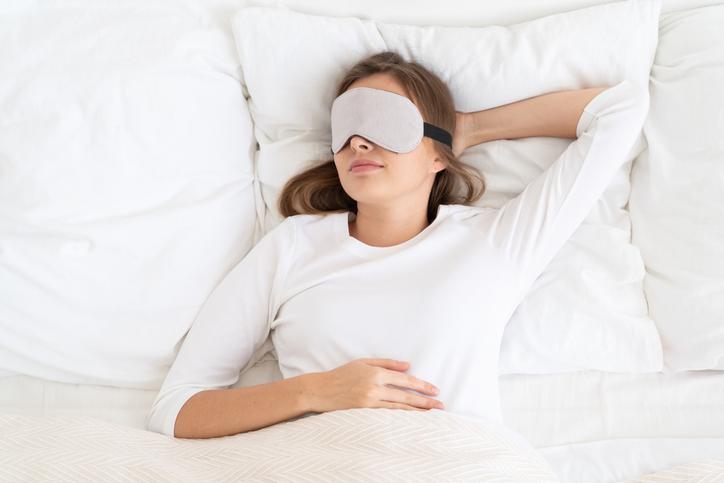 5 beneficios de utilizar el antifaz para dormir