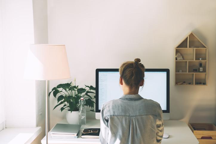 Cuatro razones para tener un espacio minimalista si trabajas desde casa
