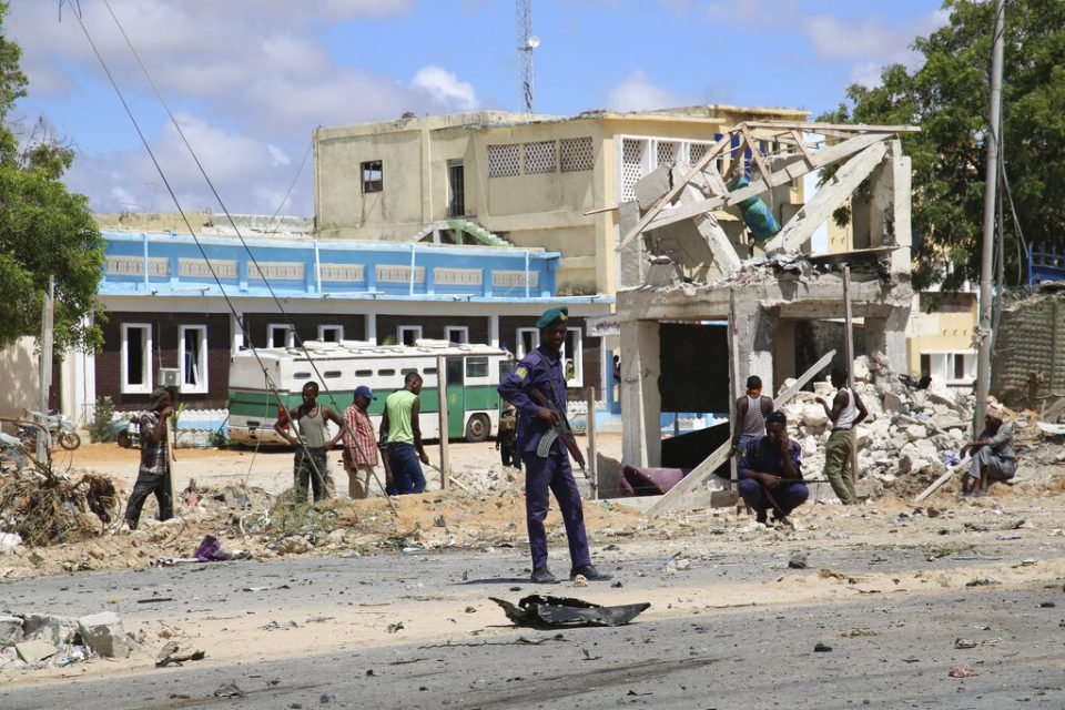 7 muertos y 11 heridos tras atentado extremista en Somalia