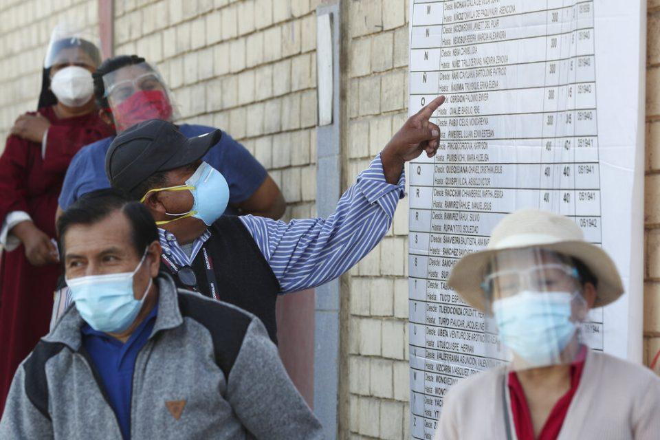 Perú afronta probable segunda vuelta de las elecciones presidenciales