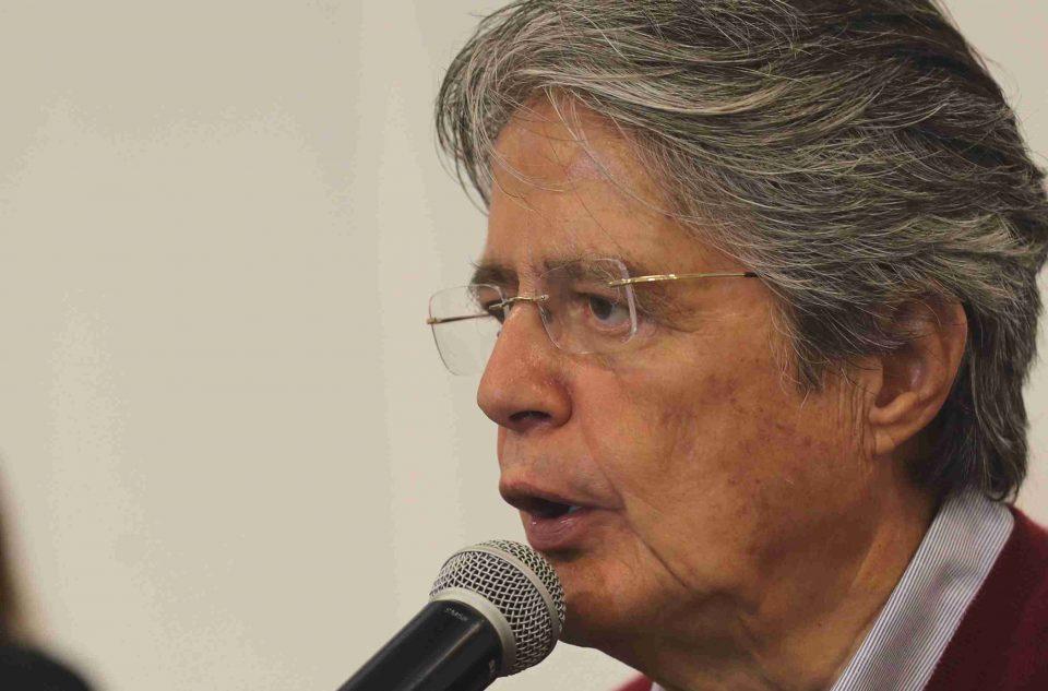 Lasso: los ecuatorianos esperan vacunarse. Hay temor, miedo y preocupación