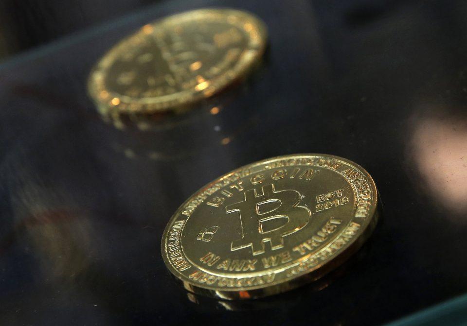 El bitcoin se desploma tras dejar de utilizarlo Tesla en sus transacciones