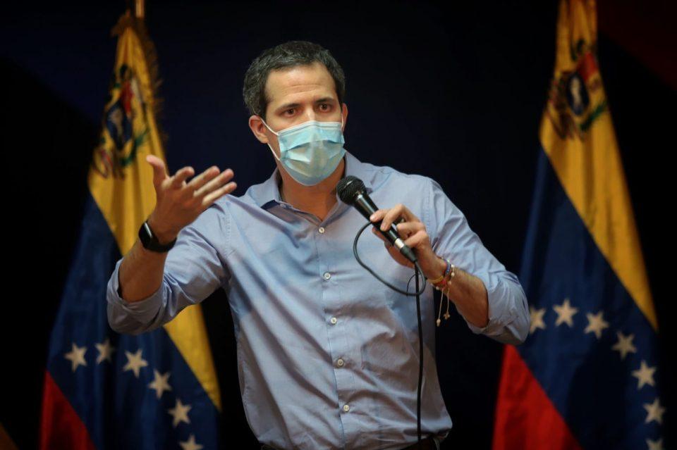 Guaidó: en nuestro país ejercer el periodismo ha significado ataques