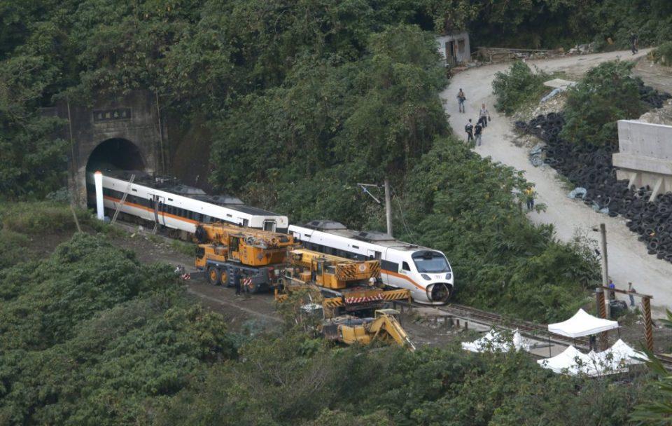 China   Accidente de tren deja al menos nueve muertos
