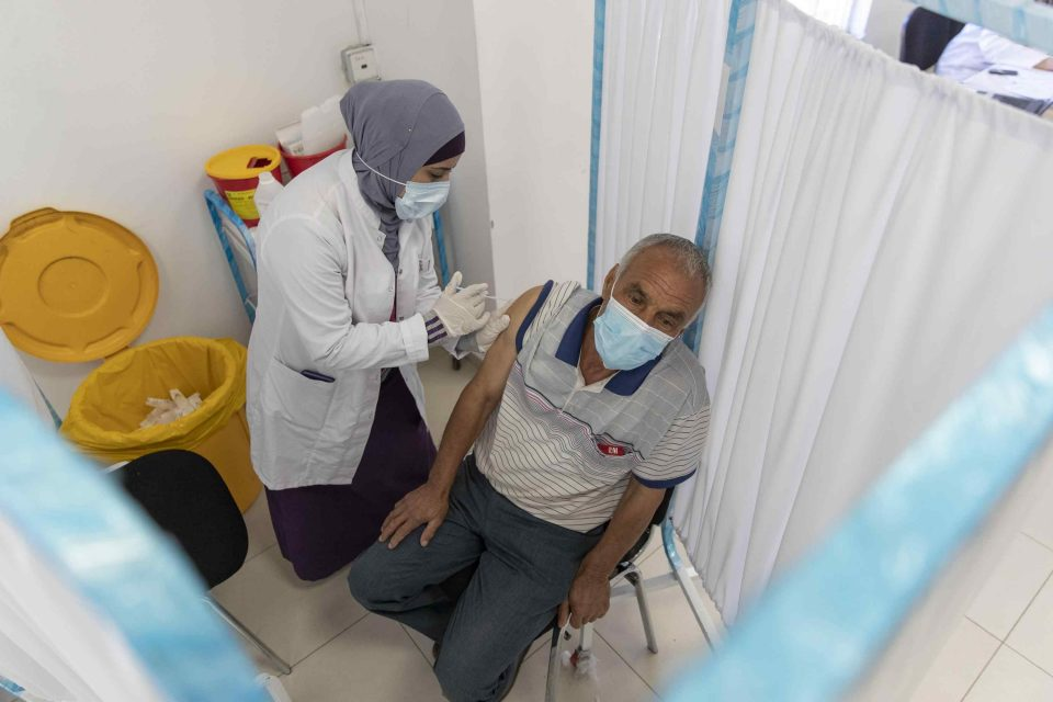 Israel preocupado por variante Delta, también entre vacunados