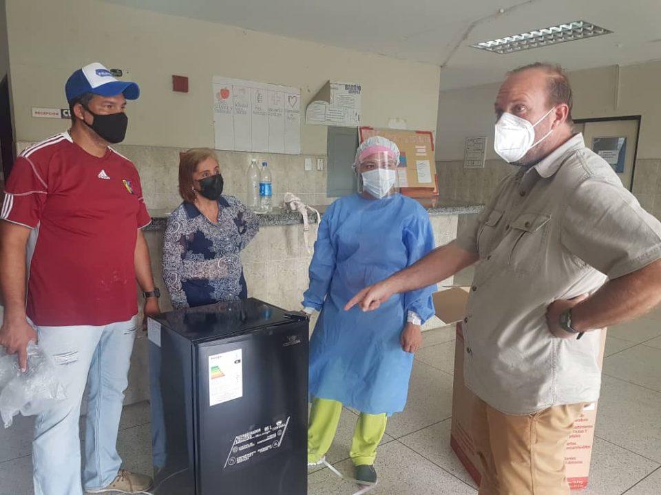 Fundación donó un refrigerador para medicamentos y vacunas en CDI La Estancia