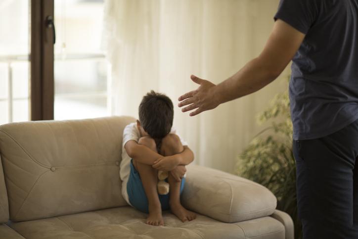 Advierten que los castigos físicos en niños, podrían aumentar los problemas de conducta