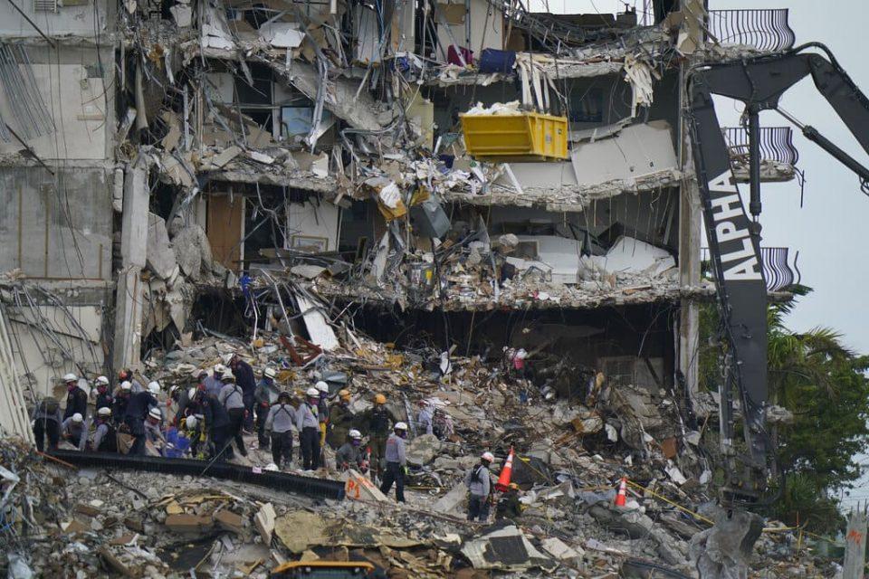 EE.UU.   Muertos por derrumbe de edificio en Miami ascendió a 27 tras encontrar otros tres cuerpos