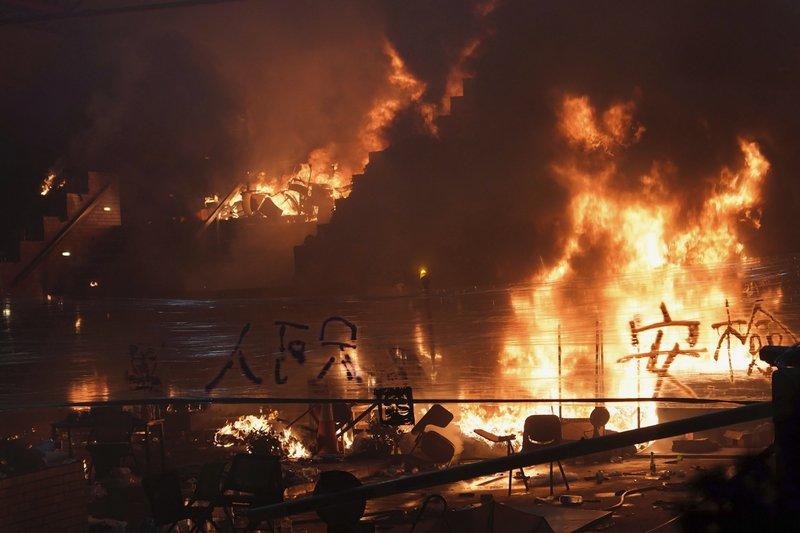 Incendio en planta química en sur de Pakistán deja 10 muertos