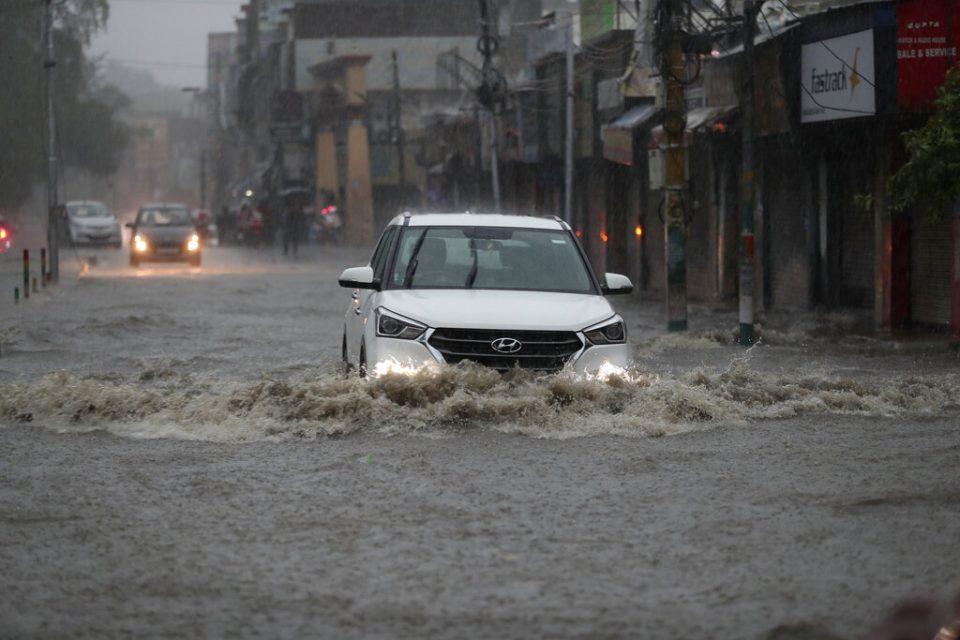 Tormentas eléctricas y lluvias en India deja al menos 38 muertos