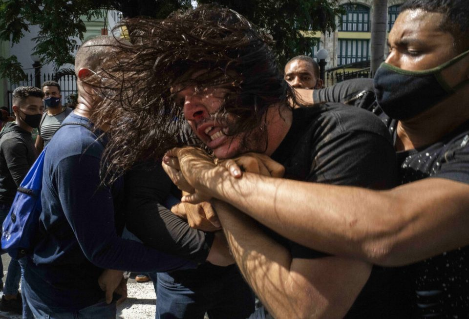 Bachelet manifestó preocupación por detenidos en Cuba y pidió una urgente liberación