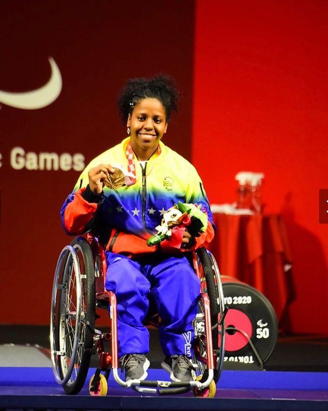 Pesista Clara Fuentes le da la primera medalla a Venezuela en los Juegos Paralímpicos Tokio 2020