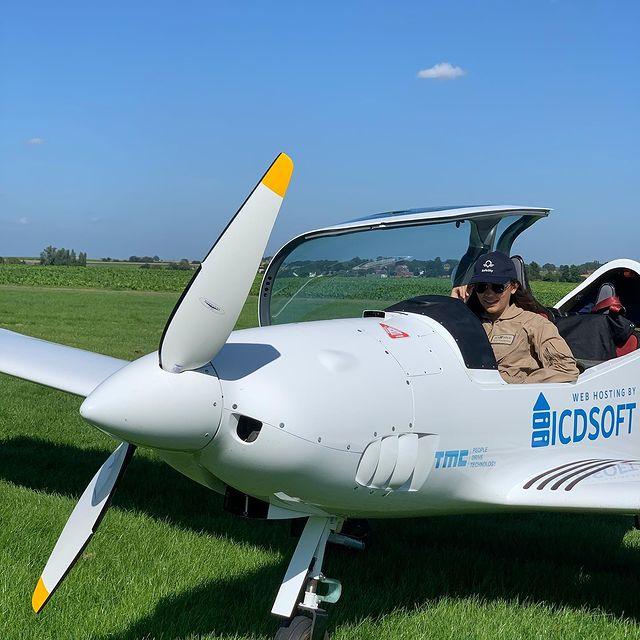 Zara Rutherford, la piloto de 19 años que busca ser la mujer más joven en dar la vuelta al mundo en solitario