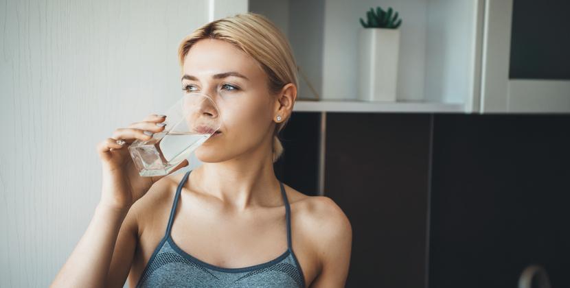 Beber suficiente agua podría prevenir la insuficiencia cardíaca