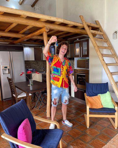 Luisito Comunica compró un apartamento en Venezuela y lo presume en redes sociales