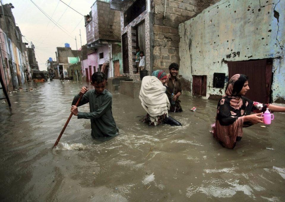 Lluvias dejan al menos 17 muertos en Pakistán