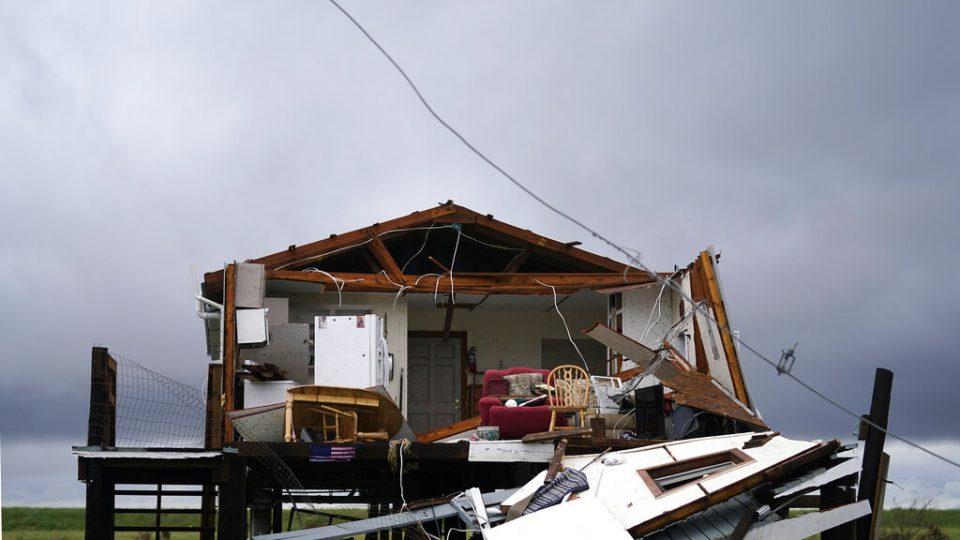 Tormenta Nicholas avanza sobre Luisiana con fuertes lluvias